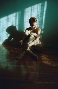 Jean Dawson, new image, sunset on wall, nude, nudo, red head.